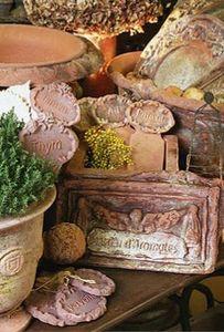 Ampholia-Anduze -  - Ornamento De Jardín