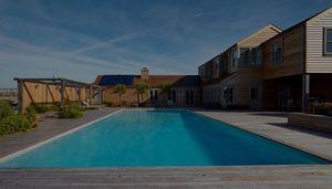 Guncast Swimming Pools Piscina tradizionale