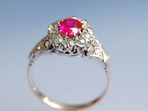 Bijouterie Bottazzi Blondeel PARIS - bague rubis synthétique et diamants en or 18k  - Anello