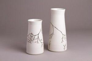 ALEXANDRA HAJEK -  - Vaso Di Porcellana