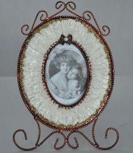 Demeure et Jardin - cadre ovale panne de velours ivoire - Cornice