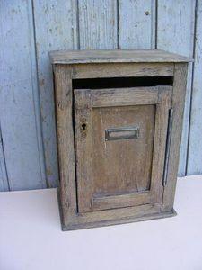 Ardèche Brocante en ligne - boite aux lettres en chêne - Cassetta Della Posta