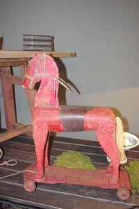 LE MARCHAND D'OUBLIS -  - Cavallo A Dondolo