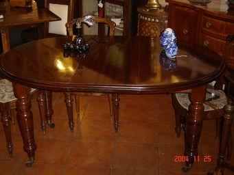 ANTIQUARIATO A. A. ZANNA -  - Tavolo Da Pranzo Ovale